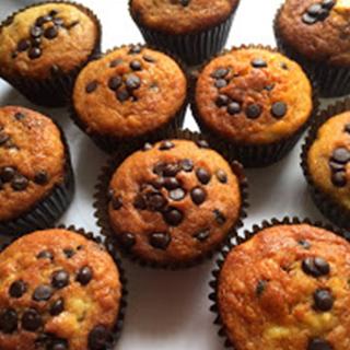 Banana Chocolate Chip Muffins Recipe by Bakeomaniac