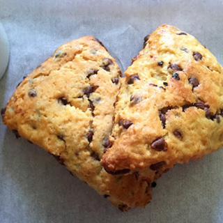 Chocolate Chip Scones Recipe by Bakeomaniac